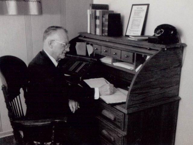 A.C. (Bud) Thorstenson starts working for Heim S.S. Schouweiler buys the Heim Practice. Thorstenson and Sayler work for him
